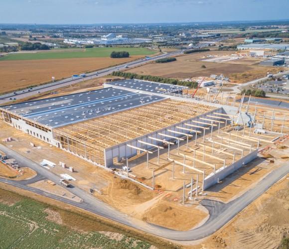 Le chantier du futur hub de production/distribution & siège Europe Iris Ohyama